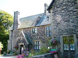 Bowden Derra House